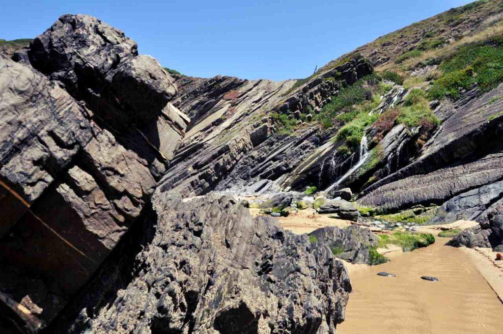 Plaże Costa Alentejana - Praia da Amalia - Cascata das Cobras
