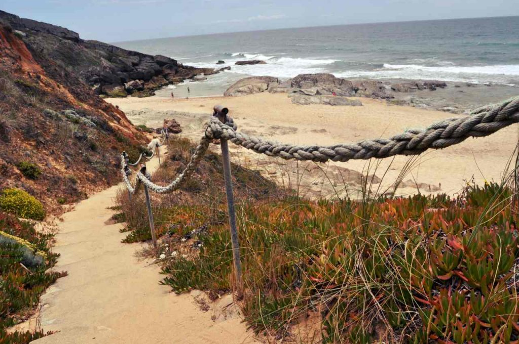 Plaże Costa Alentejana - Praia da Ilha do Pessegueiro - schody
