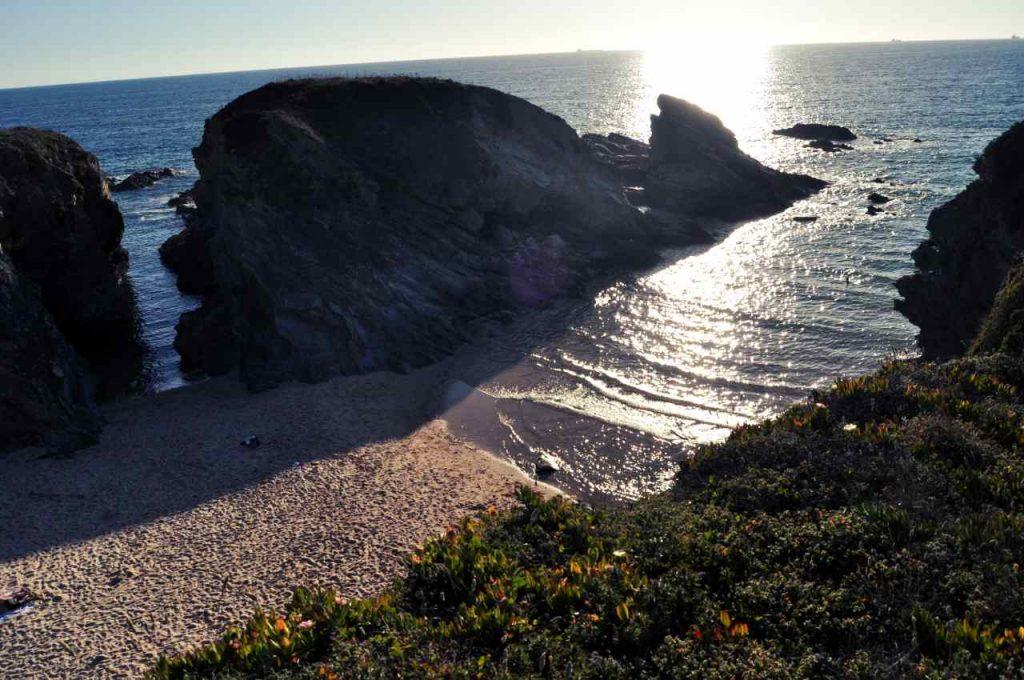 Plaże Costa Alentejana - Praia do Serro da Aguia - skały