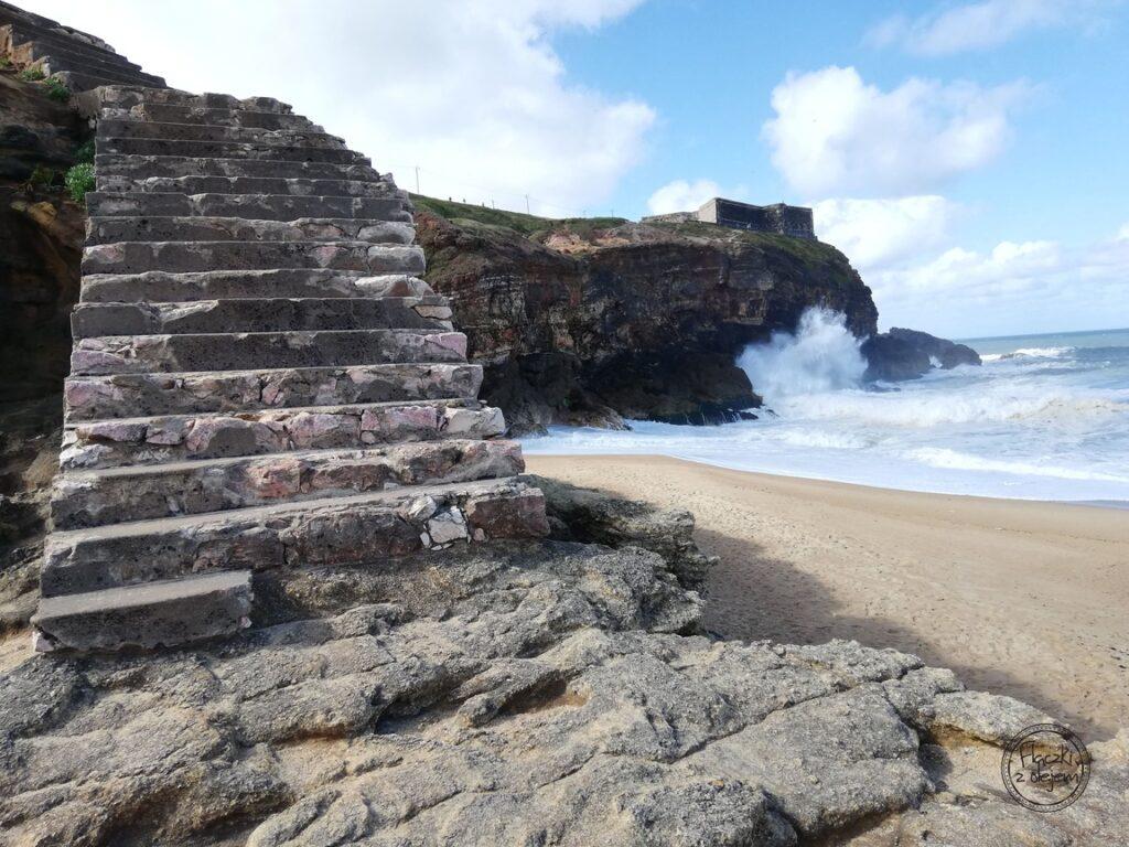 Portugalia - Nazare - Praia do Norte - schody